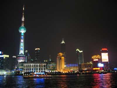 夜色下的上海